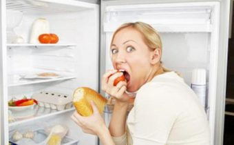 Почему опасно есть по ночам
