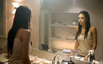 Приметы о зеркалах: скрытая опасность