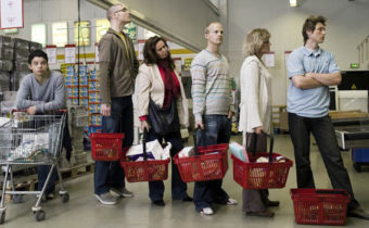 Разговор с наглыми особами в очереди магазина