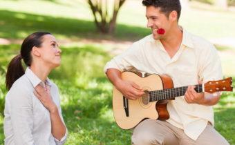 9 психологических приемов, чтобы мужчина был от вас без ума
