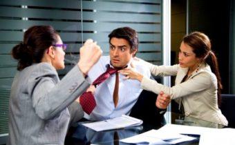 10 типов поведения, которые отталкивают окружающих