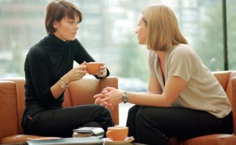 Используйте эти 10 важных вопросов, чтобы лучше узнать собеседника