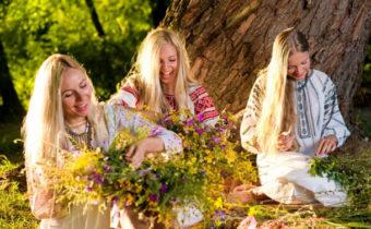 Троица в 2018 году: заговоры и обряды на достаток и счастье