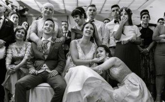 14 трогательных и веселых свадебных снимков, наполненных искренними эмоциями